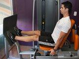 Leg press -máquina - flexão completa de quadril e joelho