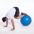 """Abdominal """"canivete"""" c/ os pés na Fitball e estabilização frontal"""